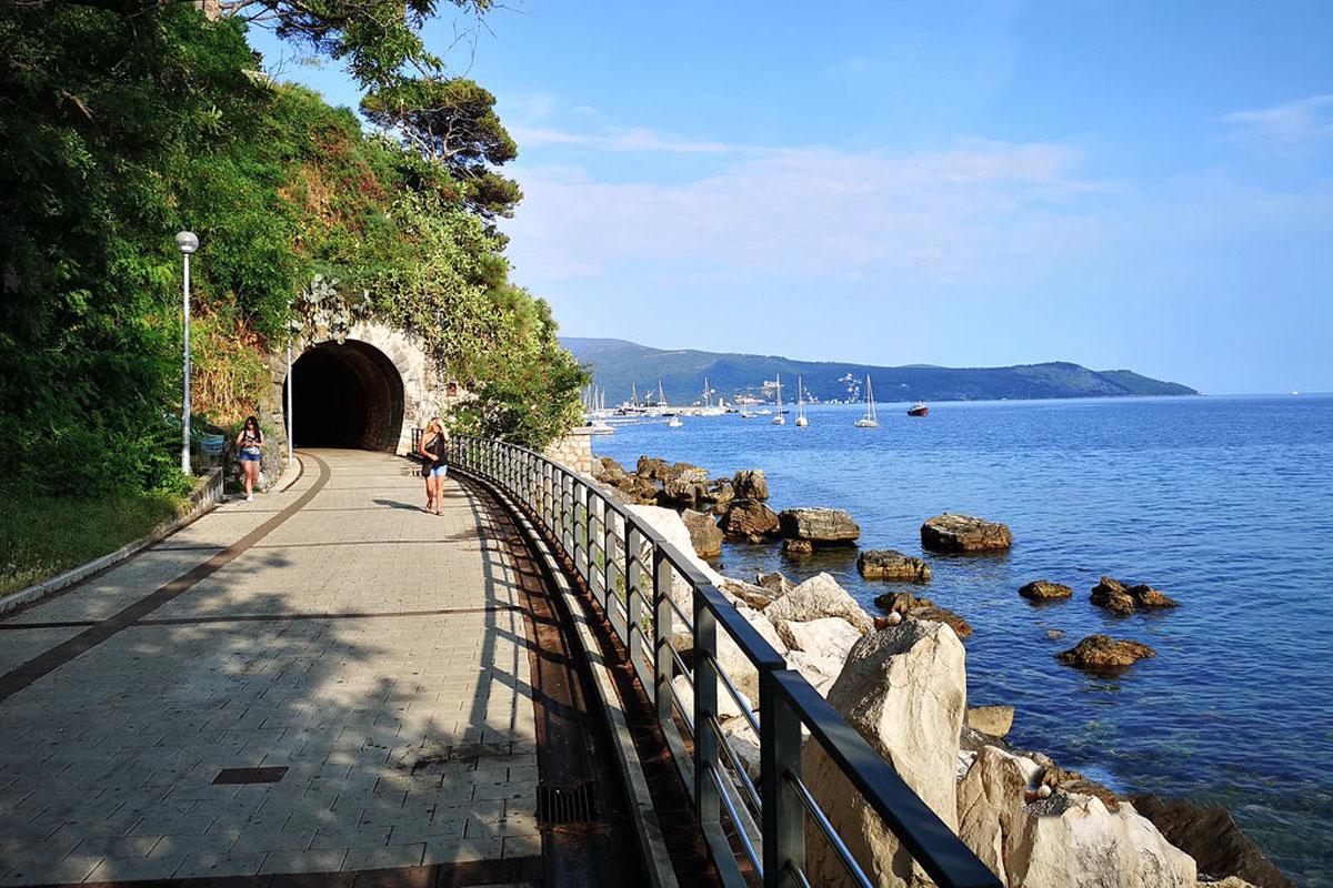 https://trip2balkan.com/wp-content/uploads/2019/06/herceg_novi_tunnel_montenegro_trip2balkan.jpg